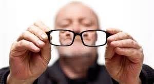 Улучшает глазное кровообращение и петрушка