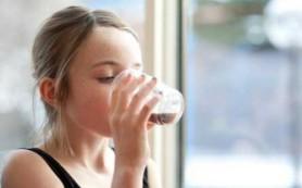 Употребление газировки способствует раннему половому созреванию девочек