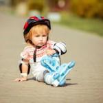 Первая помощь ребёнку при травмах на улице