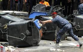 Полиция Еревана очистила проспект Баграмяна от митингующих
