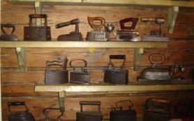 В Курском археологическом музее открылась выставка утюгов