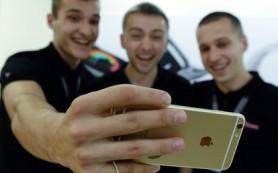 Акции Apple упали на сообщениях о сокращении выпуска шестых iPhone