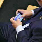 Сотовые операторы предрекли 200-процентный рост тарифов из-за «пакета Яровой»