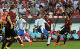 Россия сыграла вничью с Турцией в первом матче под руководством Черчесова