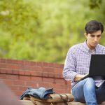 Психологи рассказали о факторах, влиющих на успешность знакомства в интернете