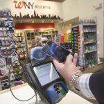Сервис Apple Pay запустили в России