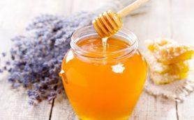 Больным сахарным диабетом употреблять мёд можно, но в строго ограниченном количестве