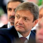 Ткачев назвал укрепление рубля ударом по экономике России