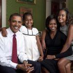 Обама подписал рекордное соглашение на издание мемуаров семьи