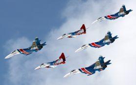Полет «Русских витязей» на сверхманевренных Су-30СМ попал на видео