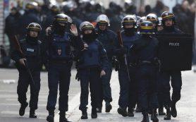 В Париже прошел митинг против произвола полиции
