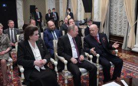 Фильм «Время первых» посмотрели президент России и легендарные космонавты