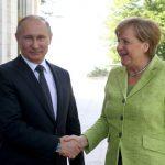 Путин предложил Меркель поговорить о Сирии и Украине