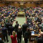Консерваторы Британии лишились большинства в парламенте