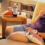 Почему телевизор в комнате ребенка опаснее трехразового питания в кафе фастфуда