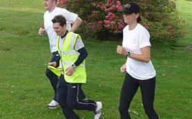 Для похудения прогулки пешком столь же эффективны, как и быстрый бег