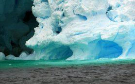 Климатологи объяснили таяние льдов Антарктики