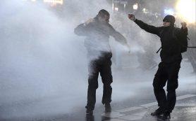В столкновениях в Гамбурге ранены более ста полицейских