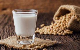 Употребление соевого и миндального молока может подвергать здоровье опасности