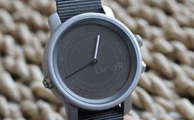 Разработаны «умные» часы на солнечной батарее