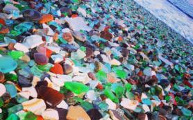 Туристы уничтожают стеклянный пляж под Владивостоком