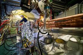 Электроны в кильватере у протонов