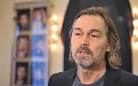 Никас Сафронов передал в дар Большому театру портреты Плисецкой и Соткилавы