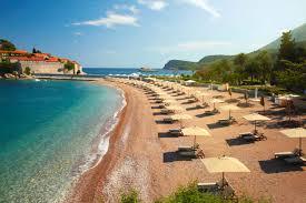 В Черногории, возможно, будут штрафовать туристов в купальниках