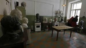 В Петербурге откроют музей-квартиру Бродского «Полторы комнаты»
