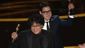 Президент Южной Кореи поздравил команду «Паразитов» с «Оскаром»