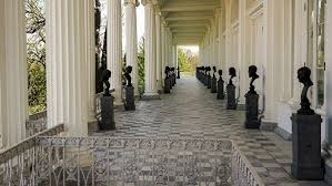 Фрагмент скульптуры атланта нашли при реставрации в Царскосельском музее