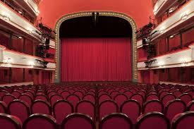 Театр Маяковского откроет новый сезон в сентябре