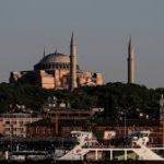 «Пандемия усилилась и продолжается»: в Турции заявили о втором пике коронавируса