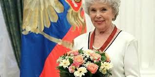 Владимир Путин поздравил Веру Васильеву с юбилеем