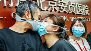 Ученые рассчитали, сколько вирусных частиц требуется, чтобы человек заболел COVID-19