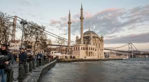 «Жить там невозможно»: туристка рассказала об отдыхе в Стамбуле осенью