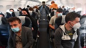 Крупные авиакомпании предлагают пассажирам воспользоваться электронными пропусками