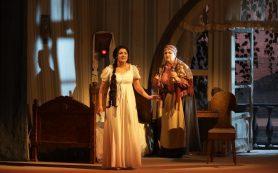 Анна Нетребко впервые спела на Мариинской сцене в «Евгении Онегине» Чайковского