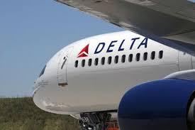 Delta Airlines занесла пассажиров, не желающих носить маску, в черный список