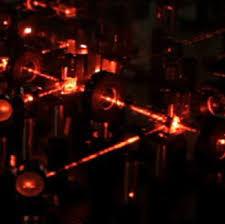 Ультрахолодную молекулу собрали в оптическом пинцете