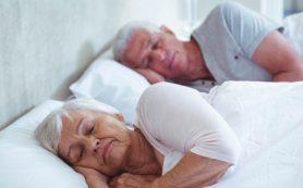 Нарушения сна у пожилых людей связали с риском деменции и преждевременной смерти