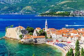 Черногория отменяет ПЦР-тест для российских туристов