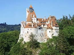 В румынском замке Дракулы бесплатно вакцинируют посетителей