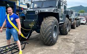 В Красноярске белорусский силач сдвинул с места семь тонн
