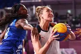 Мужская и женская сборные России по баскетболу сделали серебряный дубль