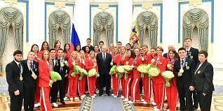Путин наградил паралимпийцев в Кремле
